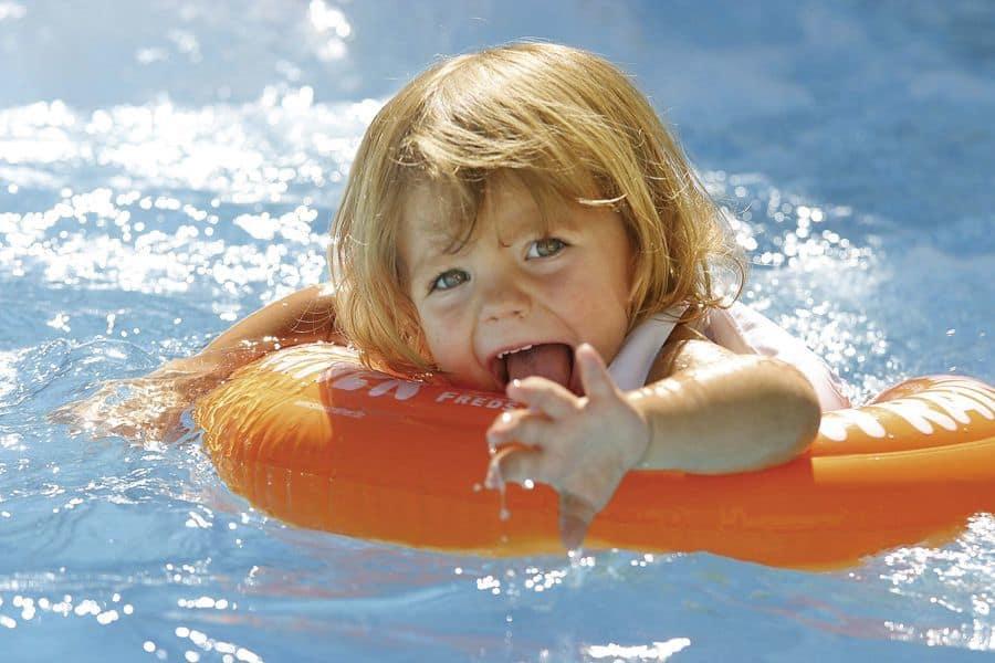 Польза плавания для здоровья: 11 причин посещать бассейн