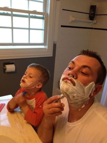 Картинки отец и сын смешные, открытка