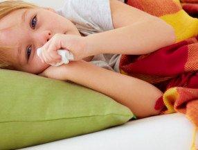 Красное горло у ребенка: чем лечить и как облегчить состояние