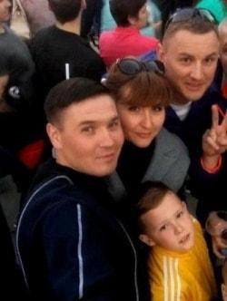 malchik_spas_tonuschuyu_devochku
