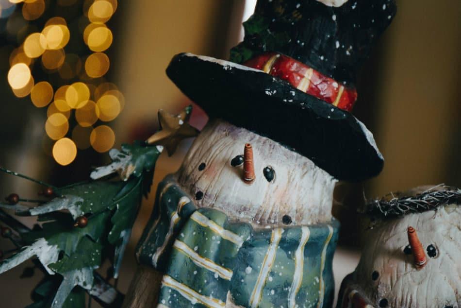 photo-1481475240398-029b4f59cdf9 Снеговик своими руками на праздник Новый год