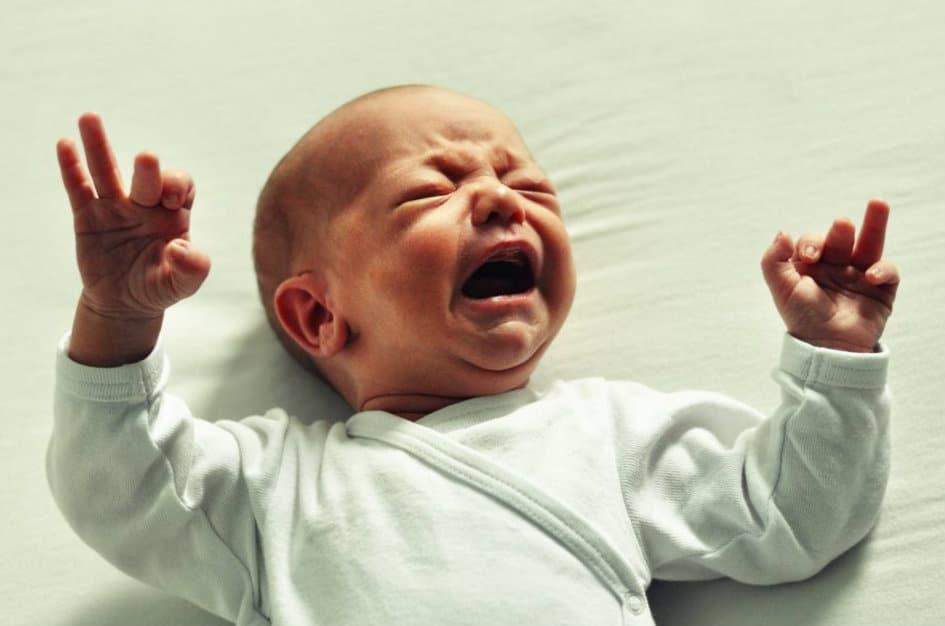 Расстройство желудка у ребенка с болями: что делать?