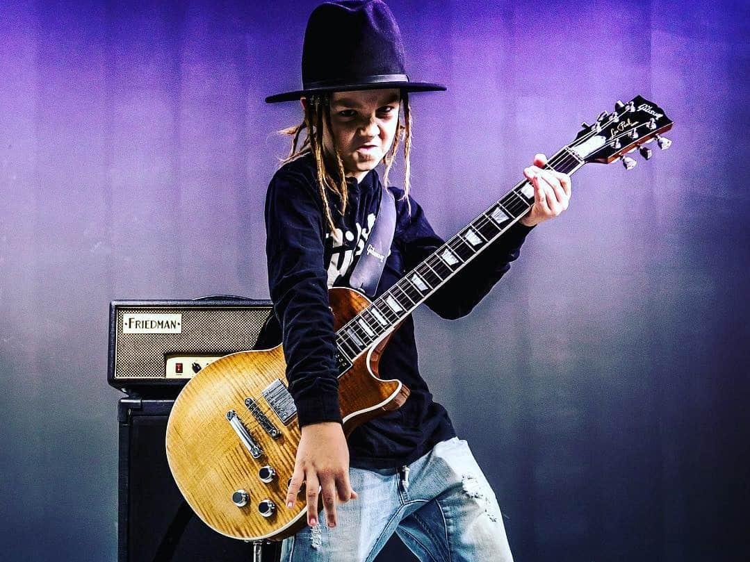 чудесные крутые картинки гитаристов короткой мордой