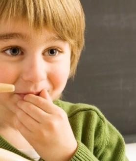 Ребенок врет: что делать? Мнения детских психологов