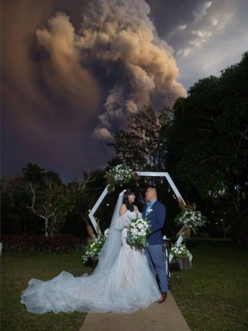 svadba_izverjenie_vulkana_filippini_01