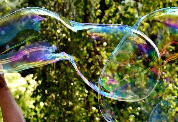 Как сделать мыльные пузыри: рецепты с глицерином и без него