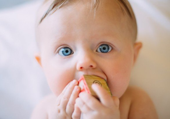 Когда новорожденный начинает видеть — особенности зрения грудничка